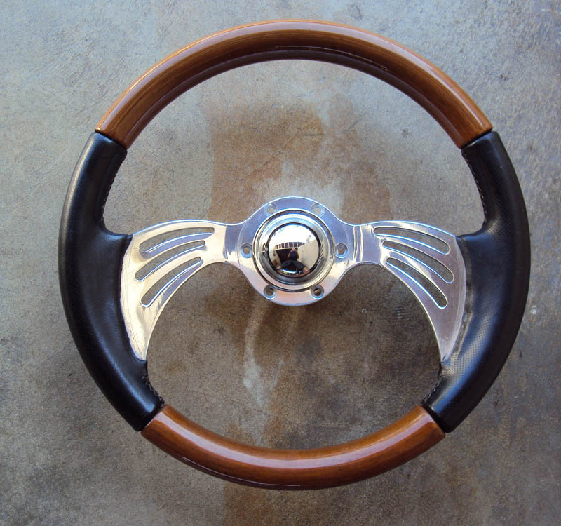 Carving Japan Steering Wheel 01