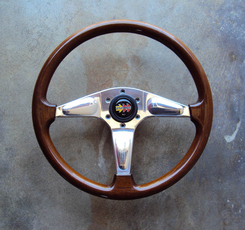 MOMO Teardrop Wood Steering Wheel 365mm 01