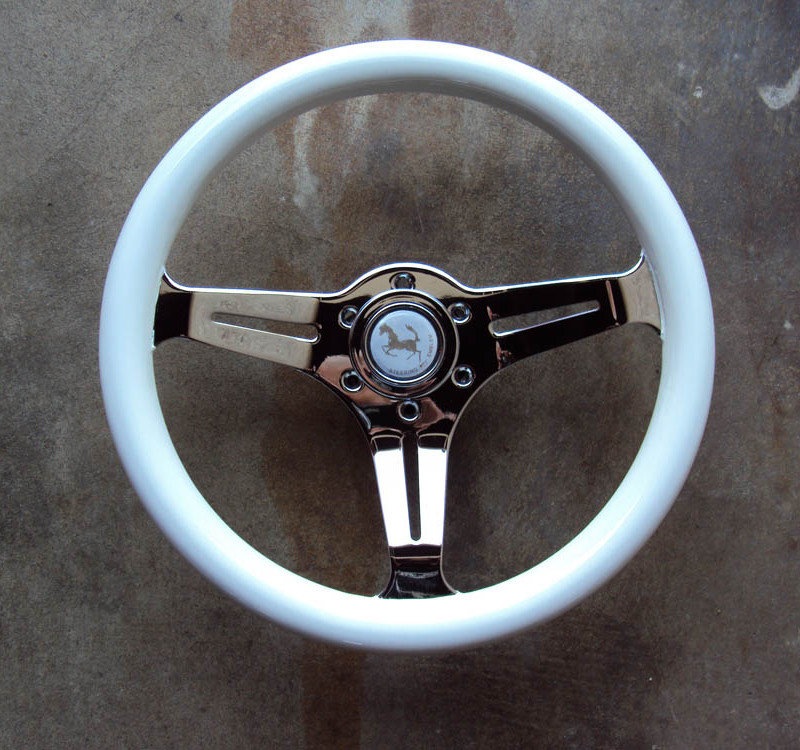 HKB Sports White Steering Wheel 01
