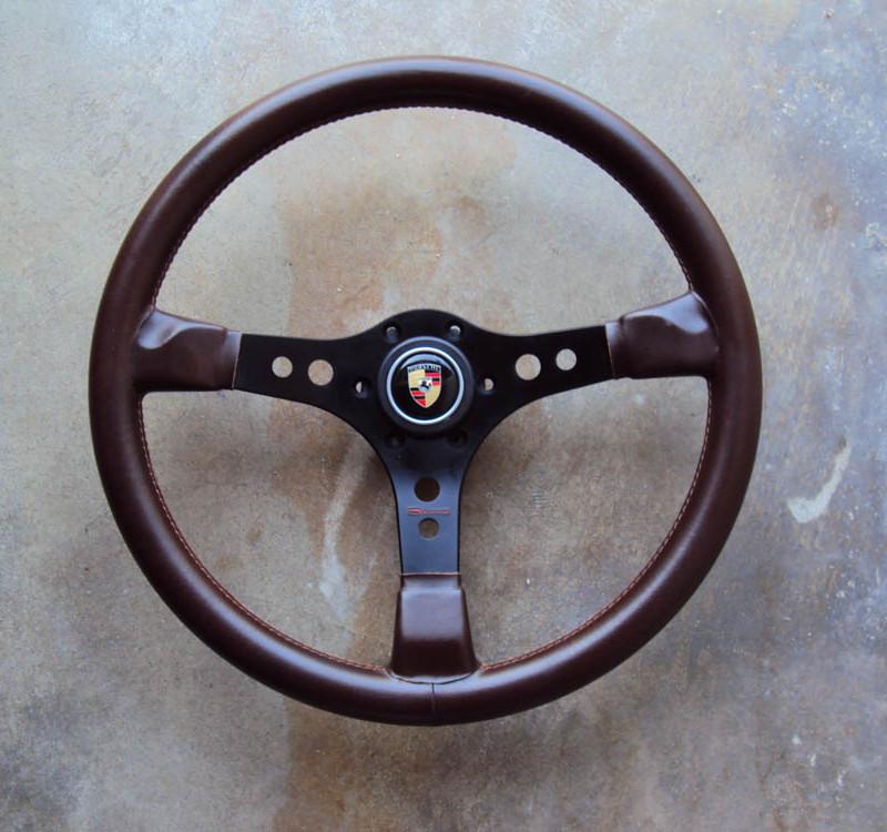 Raid Porsche Steering Wheel 01