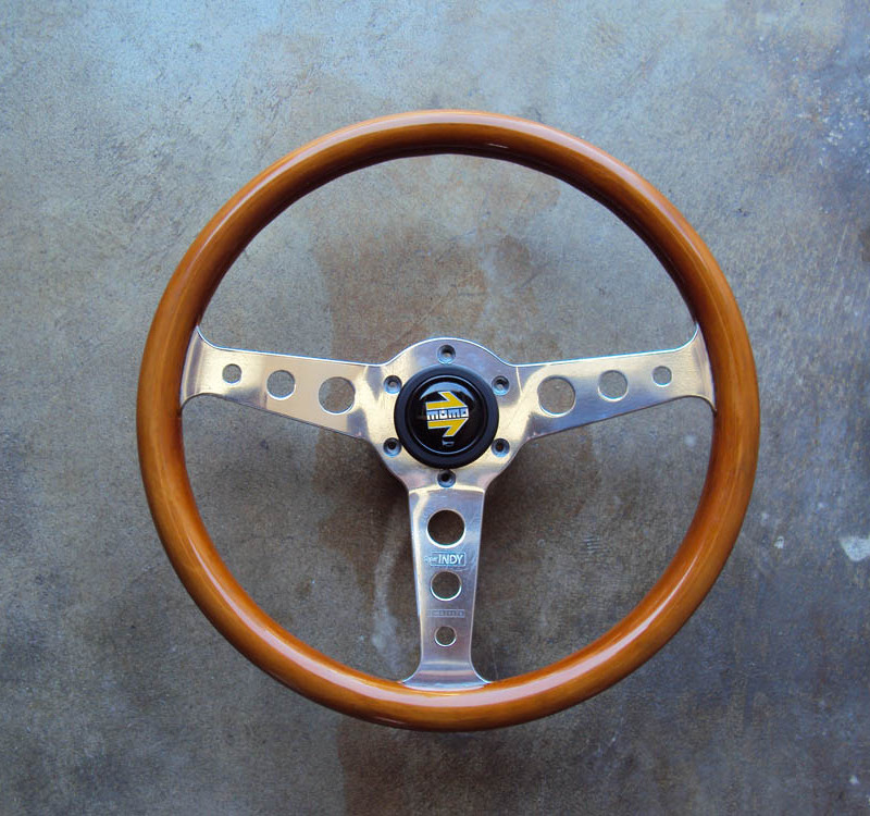 MOMO Super Indy Wood Steering Wheel 01