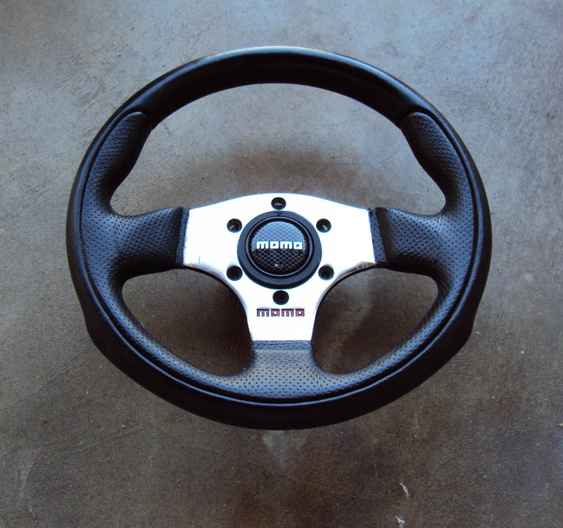 MOMO Team 280mm Steering Wheel 01