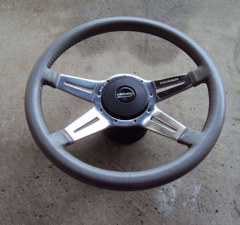 Lecarra Mark 9 Elegante Steering Wheel 01